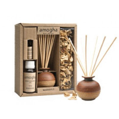 IRIS-Fragrance gift containing reed diffuser and potpurri -patchouli